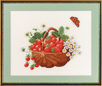 Basket w/strawberries